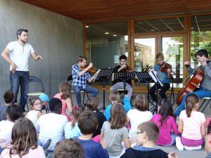 Le Boléro de Ravel en quatuor à cordes, percussions par les enfants